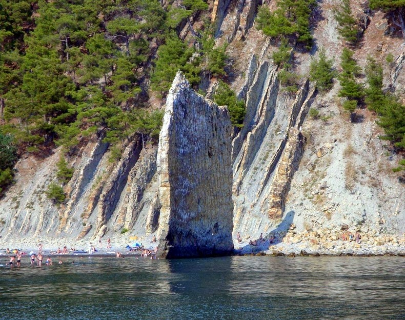sail-rock-1
