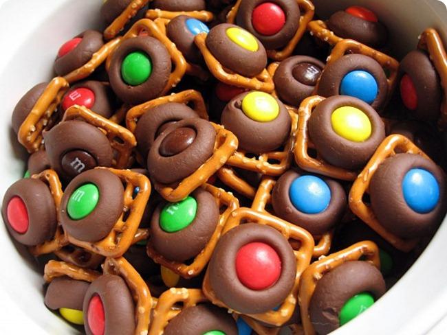 hershey-kiss-mm-pretzels