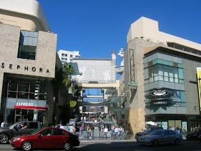 021 - Unos centros comerciales.JPG