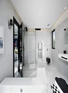 baños-de-diseño-baños-blanco-y-negro