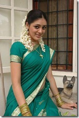 parvathi melton in saree