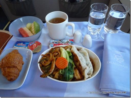 港龍-干炒海鮮麵配香煎鍋貼
