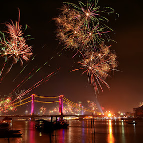 Fireworks 2013-2014 Ampera bridge by Sandi Nopri yanto - Public Holidays New Year's Eve ( Fireworks, Cityscape, Celebration, Countdown )