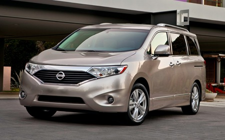 2013 Nissan Quest front side view
