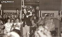 14 september 1972 Boslust actief bij de zeskamp in de Meerpaal in Dronten (3) Dick Passchier is de presentator