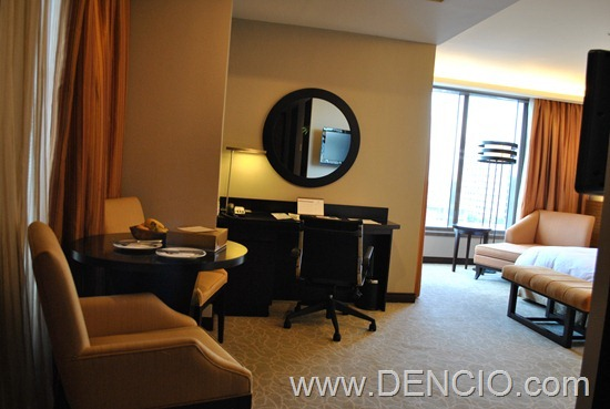 Bellevue Hotel Manila 41