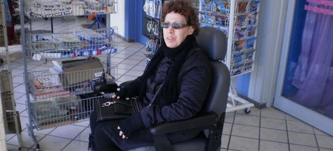 Οδύσσεια για Κεφαλονίτισσα με τις επιτροπές των ΑμεΑ