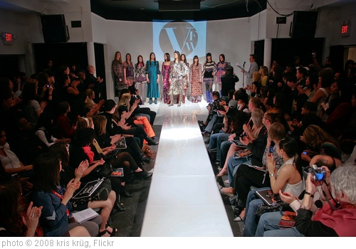 'Vancouver Fashion Week 2008' photo (c) 2008, kris krüg - license: http://creativecommons.org/licenses/by-sa/2.0/