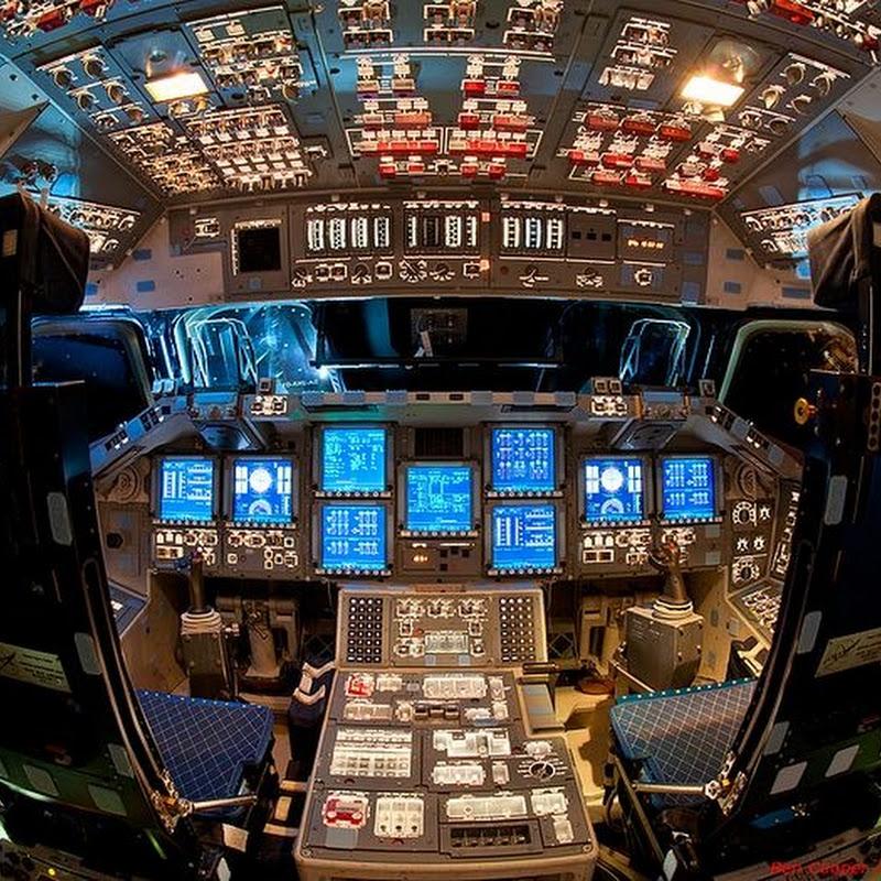 Stunning Photos of Space Shuttle Endeavour's Flight Deck (Cockpit)