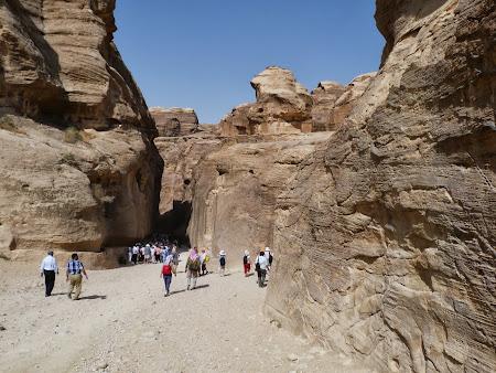 Obiective turistice Petra: Intrarea in Siq