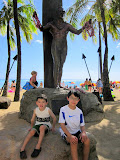 Kai and Eidan at the Duke Kahanamoku statue http://en.wikipedia.org/wiki/Duke_Kahanamoku