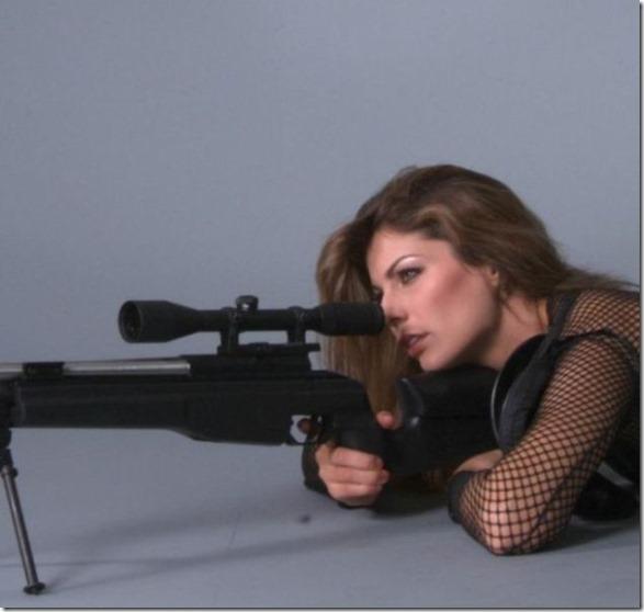 hot-women-guns-22