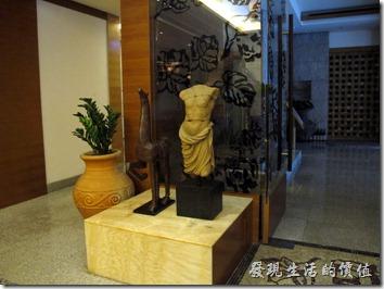惠州-康帝國際酒店。餐廳內的裝飾。