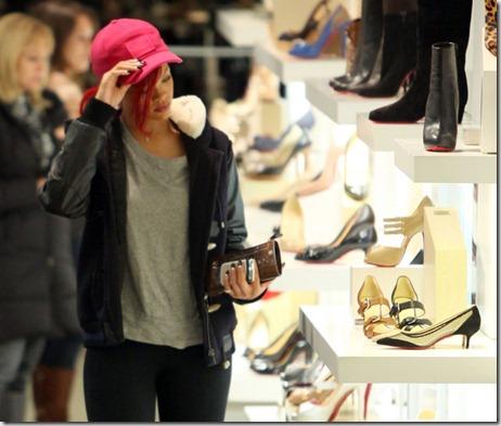 Rihanna Rihanna Christmas Shopping Beverly g260K-B6mqwl