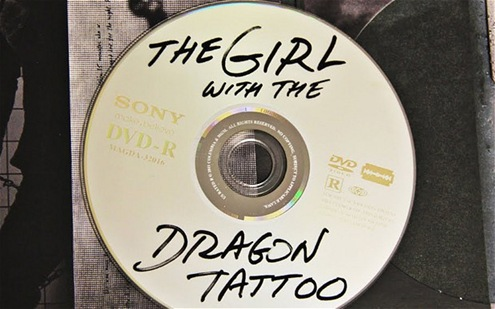 deinac_Girl-with-Dragon