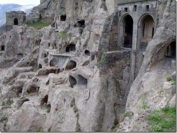 underground-homes-22