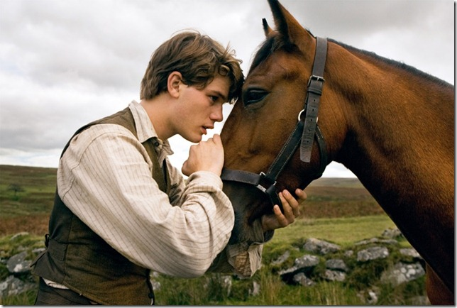 war-horse-movie-image-jeremy-irvine-01