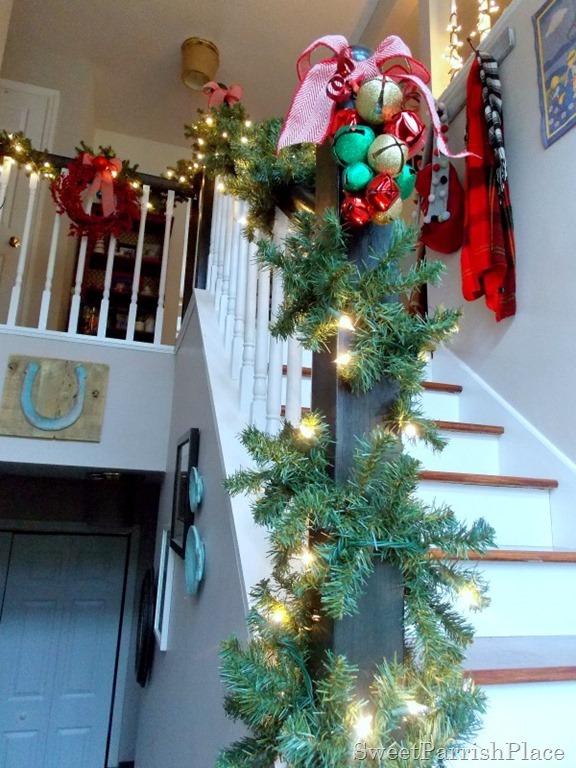 Christmas Banister4