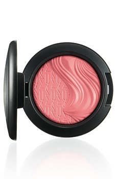 MAC-Extra-Dimension-Blush-Flaming-Ch[1]