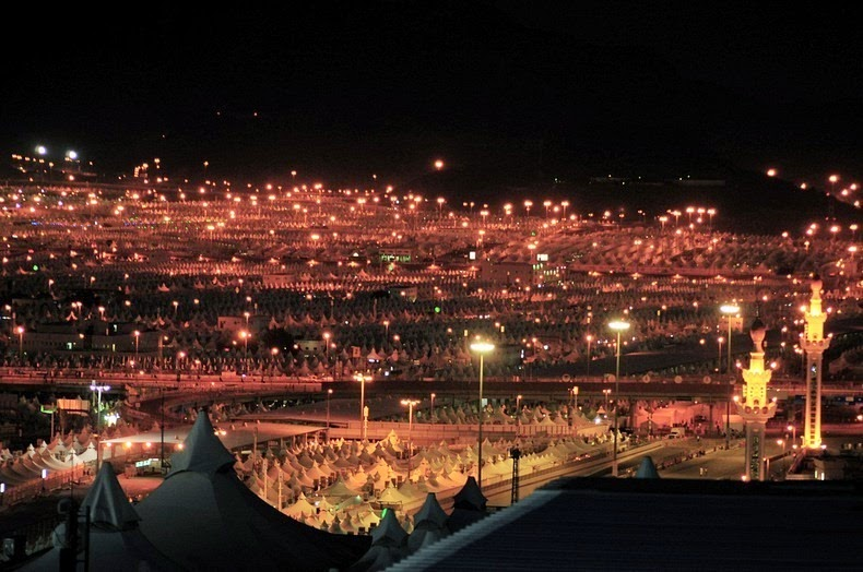 Syrian Civil War: News #2 - Page 4 Mina-tent-city-3%25255B2%25255D