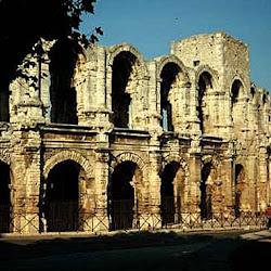 525 Anfiteatro Arles.jpg