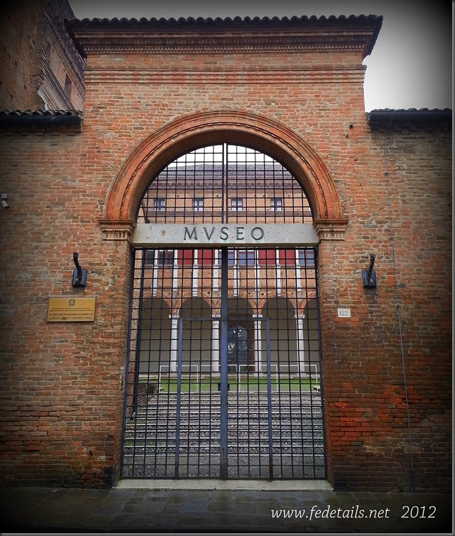 Palazzo Costabili ( ingresso ), Ferrara, Emilia Romagna, Italia - Palazzo Costabili ( entrance ), Ferrara, Emilia Romagna, Italy - Property and Copyrights of www.fedetails.net
