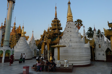 Obiective turistice Myanmar: Pagoda Shwedagon Yangon