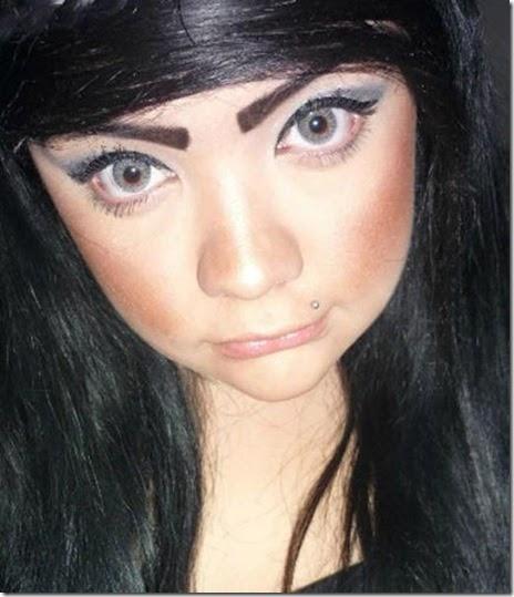 women-scary-eyebrows-058
