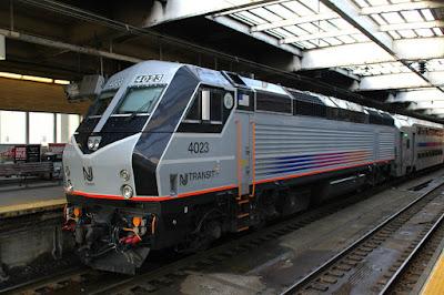 NJ TRANSITの電車
