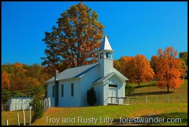 autumn-pretty-country-church