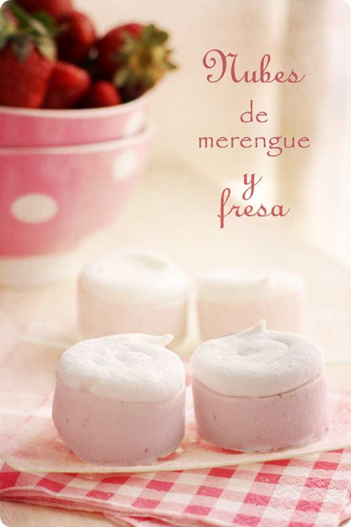 nubes-de-merengue-y-fresa