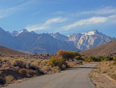 Road View of Mt Whitney