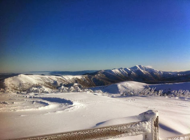 Classic view from Summit towards Feathertop