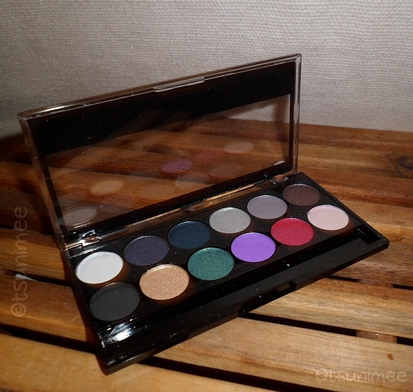 001-mua-makeup-academy-glamour-night-palette