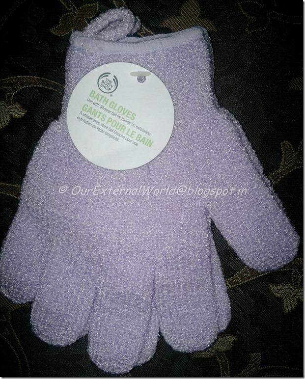 The-Body-Shop-Bath-Gloves