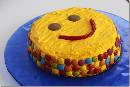 Smiley Face Cake1