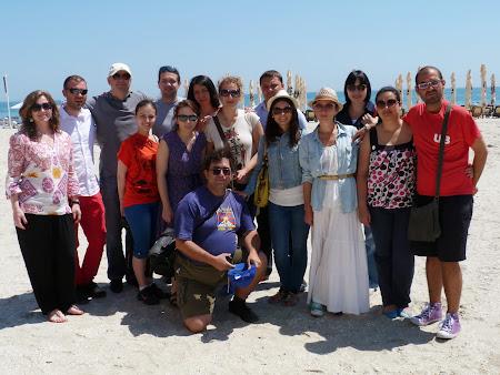 Litoral Romania: grup bloggeri pe plaja