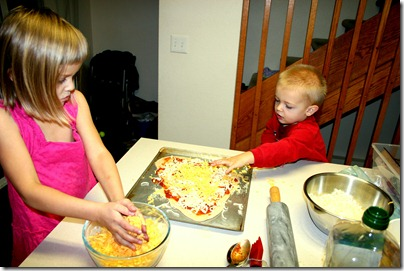 2011-12-03 Making Pizza (5)
