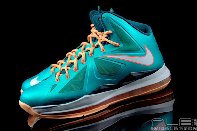 lebron10 dolphins 31 web black The Showcase: Nike LeBron X Setting / Miami Dolphins