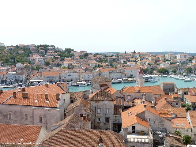vistas-trogir-desde-lo-alto-de-la-torre-de-la-catedral.JPG