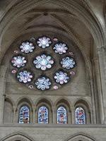 2014.09.10-020 vitraux des arts libéraux de la cathédrale Notre-Dame