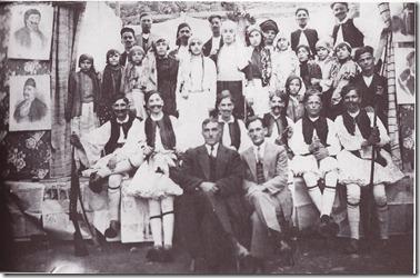 25-3-1930 ,1930 ή 31,Ο χορός του Ζαλόγγου,του Περεσοιάδη, δέκατη  η Ήρα Κιούλπαλη,μπροστά ο Γυμνασ.Παπαθανασίου, Δημ.Χαραλαμπόπουλος Φιλόλογος ,δευτ. Γιούλα Ταμβάκη Πέτρου,Τρίτη Κατ. Ποντίκη,'ενατηΣία Ευσταθίου, τελ,