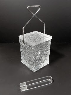Ice block ice bucket with tongs