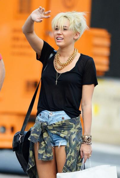 Miley Cyrus Latest New Short Haircuts