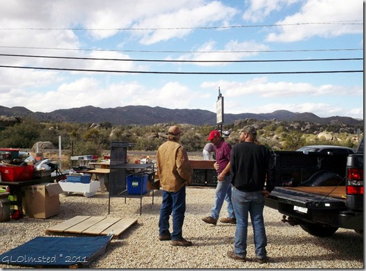 03 Mike, Max & Cliff outside Patty & Sons at yard sale Yarnell AZ (1024x757)