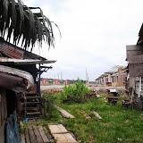 写真5 : スクウォッター集落の背後に開発が迫る(Sg. Plan)