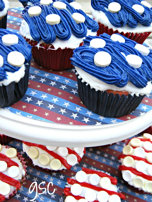 Ginger Snap Crafts Red White Amp Blue Cupcakes Tutorial