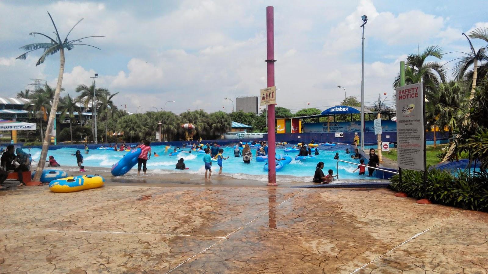 weakness of desa water park