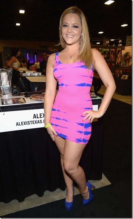 exxxotica-2013-girls-8