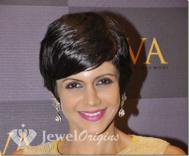 Mandira_Bedi_Gold_Earrings